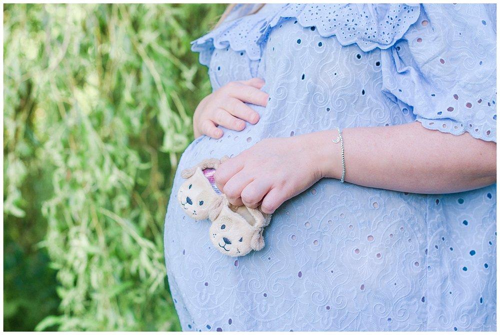 Jess-maternity-colwynbay_0015.jpg