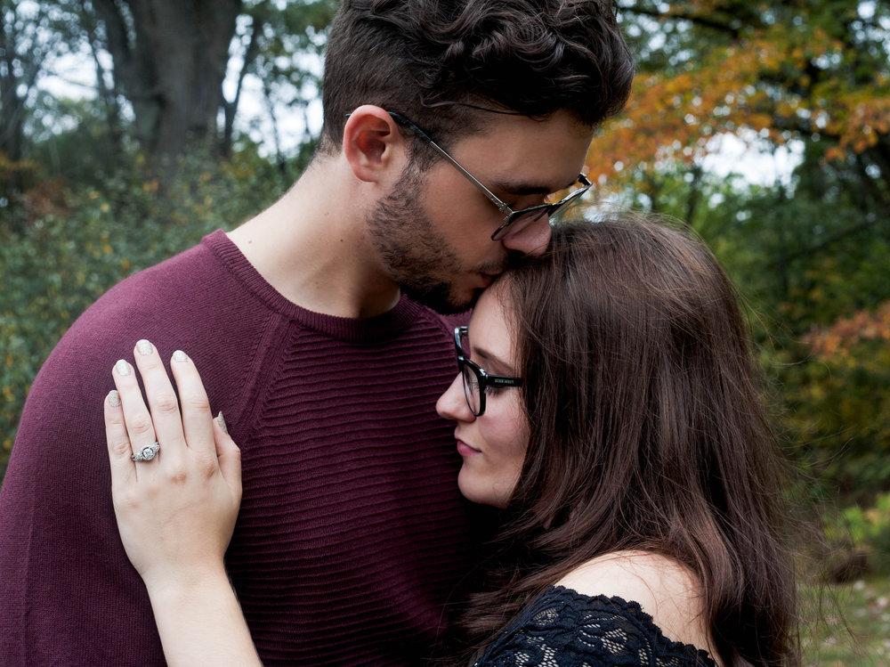 Engagement-photographer-clare-michigan-baycity