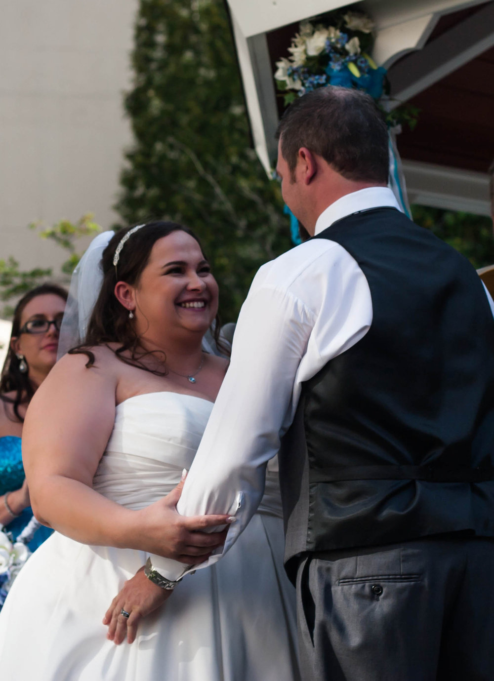 Courtyard-Livionia-Detroit-Wedding-Photography