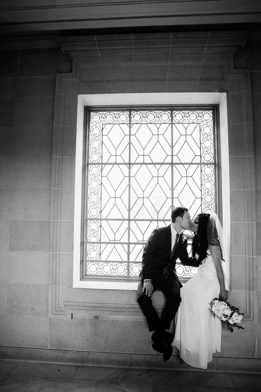 001_janaeshieldsphotography_sanfrancisco_cityhall_weddings.jpg