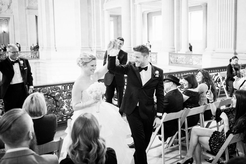 006_janaeshieldsphotography_sanfrancisco_cityhall_weddings.jpg