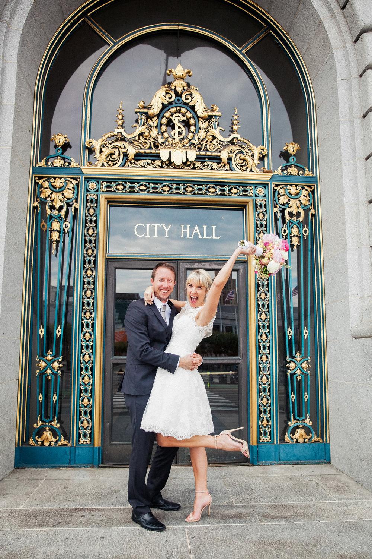 002_janaeshieldsphotography_sanfrancisco_cityhall_weddings.jpg