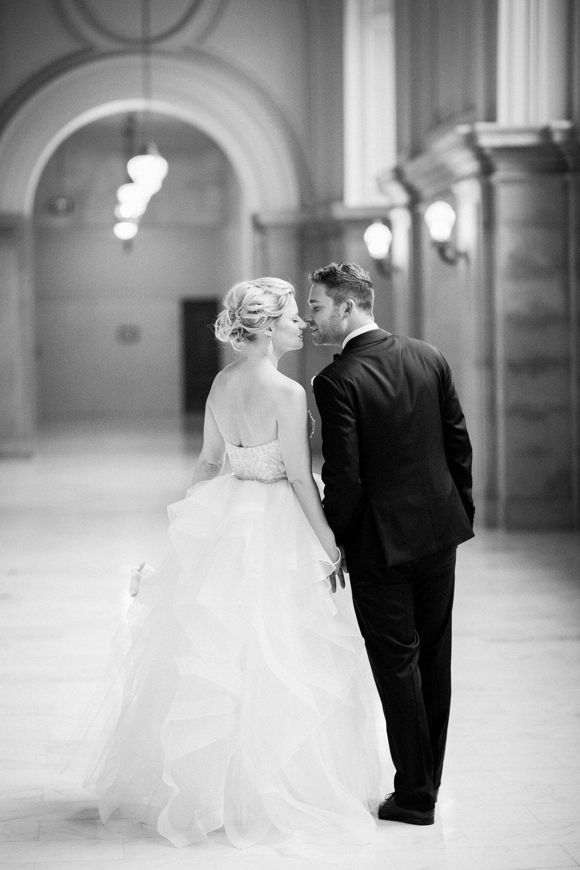 007_janaeshieldsphotography_sanfrancisco_cityhall_weddings.jpg