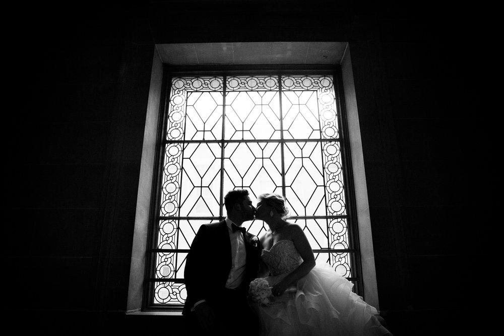 009_janaeshieldsphotography_sanfrancisco_cityhall_weddings.jpg