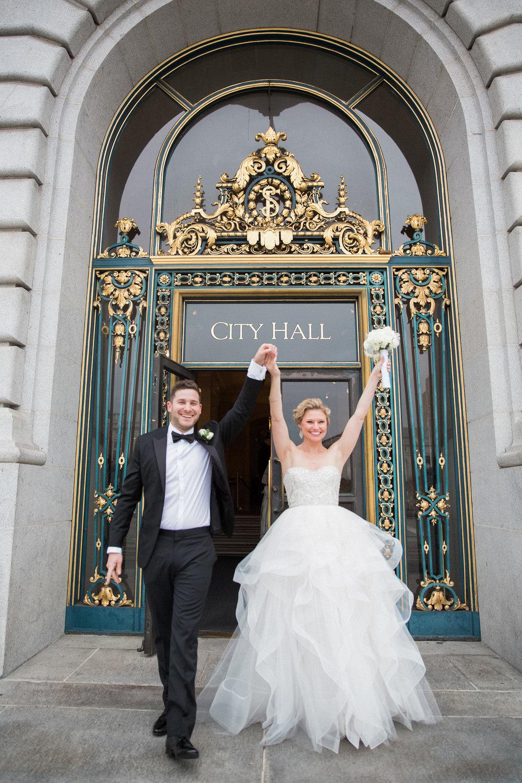 014_janaeshieldsphotography_sanfrancisco_cityhall_weddings.jpg