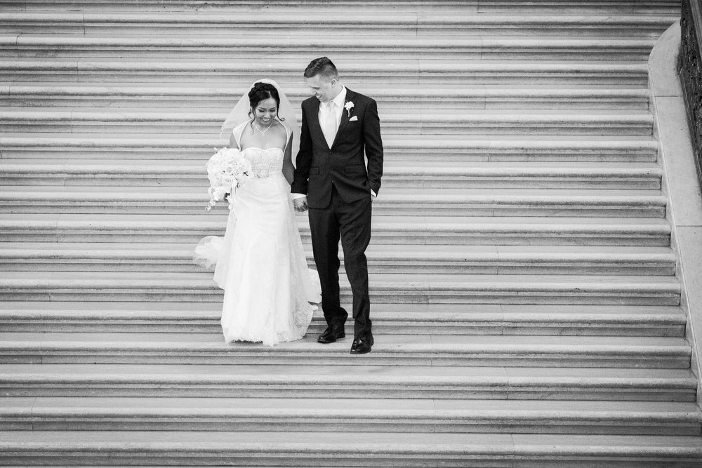 017_janaeshieldsphotography_sanfrancisco_cityhall_weddings.jpg