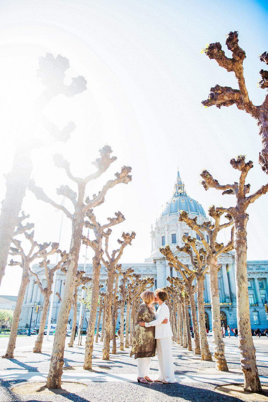 041_janaeshieldsphotography_sanfrancisco_cityhall_weddings.jpg