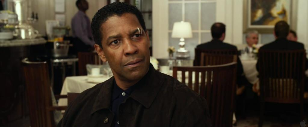 Captain Whip Whitaker (Denzel Washington).