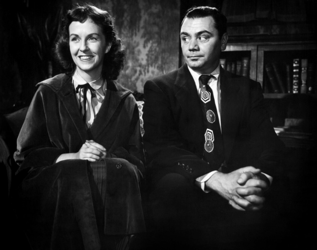 Marty (Ernest Borgnine) tries to woo Clara (Betsy Blair).