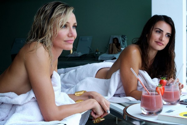 Malkina (Cameron Diaz) toys with the Counselor's girlfriend Laura (Penelope Cruz)