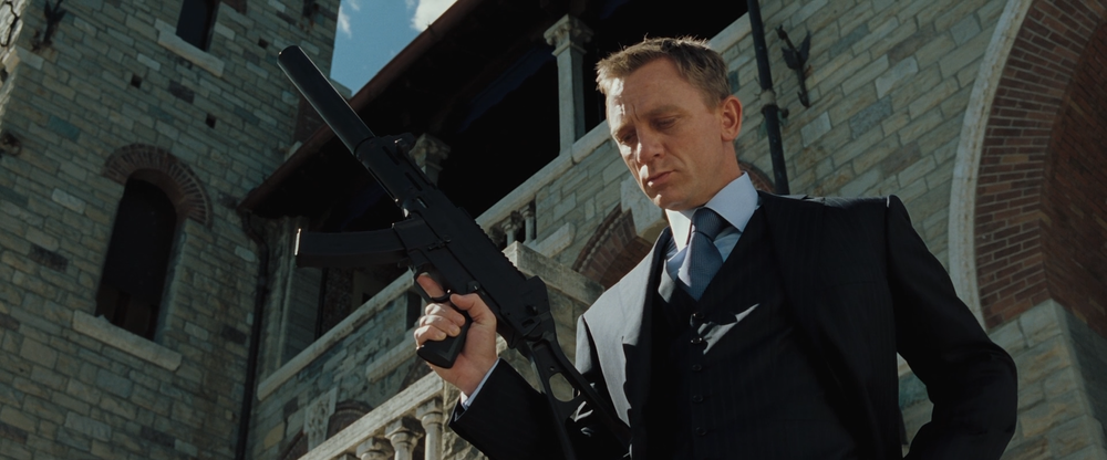 Why does the girl betray bond in casino royale horaire ouverture casino deuil la barre