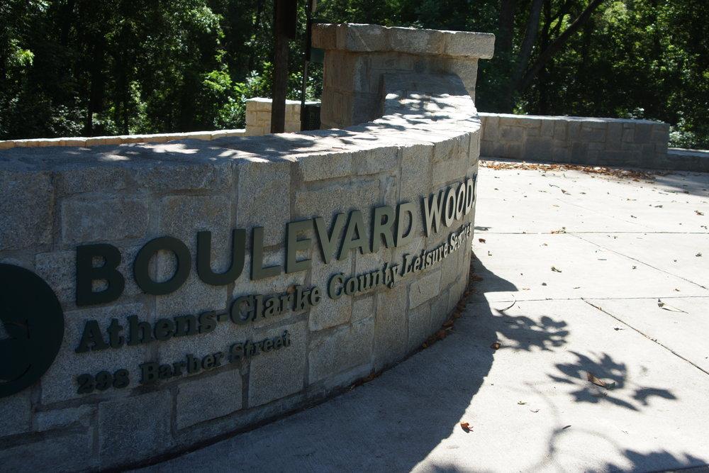 Entrance to Boulevard Woods park.