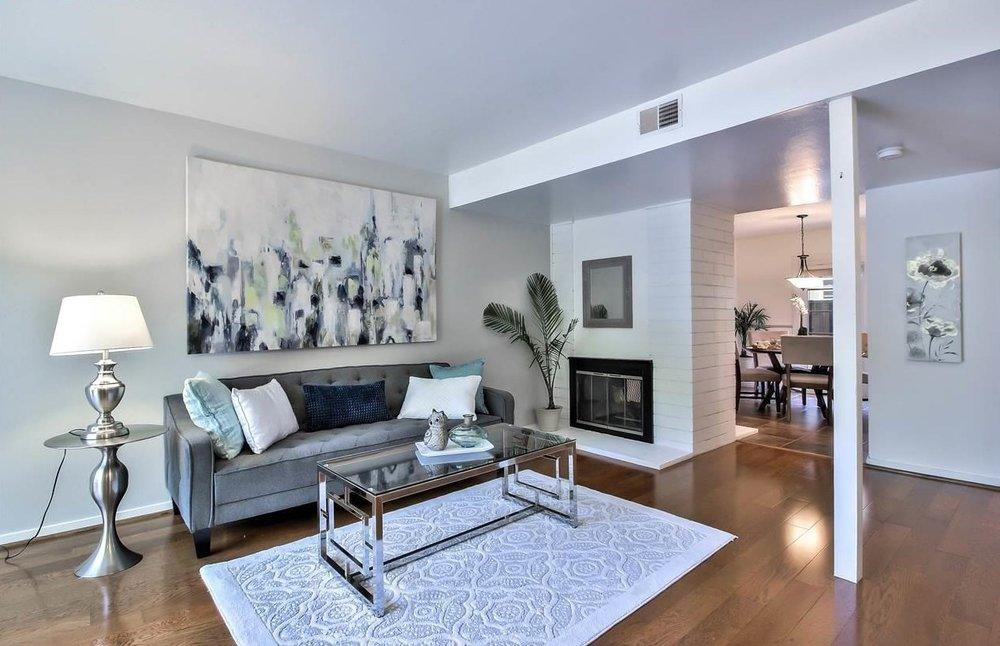 Living room 3..jpg
