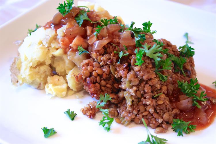 Lentil,+Mushroom,+&+Quinoa+Crockpot+with+Bourbon+BBQ+Sauce.png