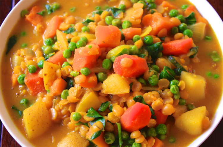Split Pea Curry - You can easily make this curry on your stove top in an hour, or in a crockpot over four hours. Its a warm and hearty curry full of flavor and spices and can be served over rice or quinoa or you can just eat it on its own!
