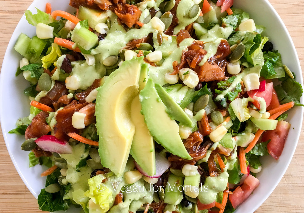 BBQ Jackfruit Salad - Jackfruit is such an unsung hero. It has the consistency of a shredded meat without the cholesterol and is packed full of nutrients. It works perfectly in this bbq jackfruit salad!