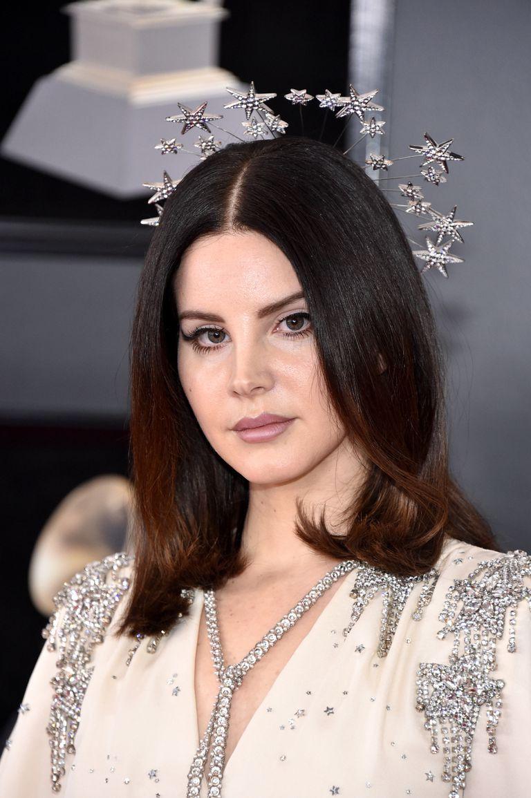 Lana Del Rey Headpiece Grammy Red Carpet 2018.jpg