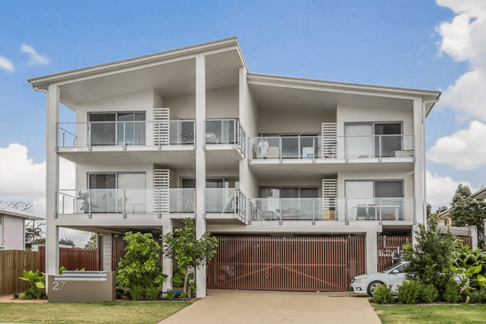 """<p class=""""project-name""""> Dawson Rd, Upper Mount Gravatt</br><p class=""""project-category"""">Multi-residential</p>"""