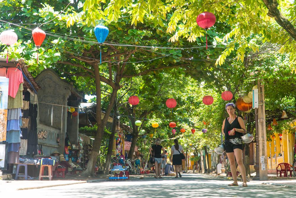 GOAL TRAVELER-HOI AN VIETNAM- STREETS.jpg