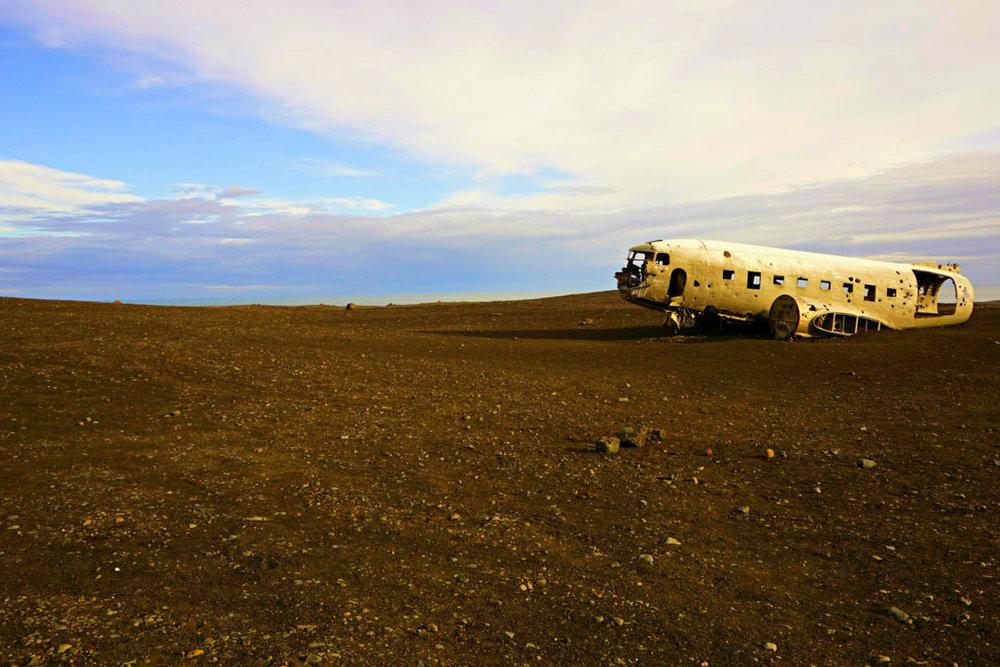 GOAL TRAVELER-ICELAND-PLANE.jpg