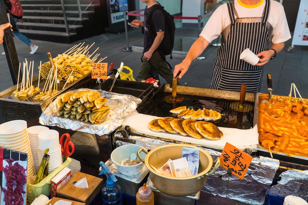 GOAL TRAVELER SEOUL STREET FOOD.jpg