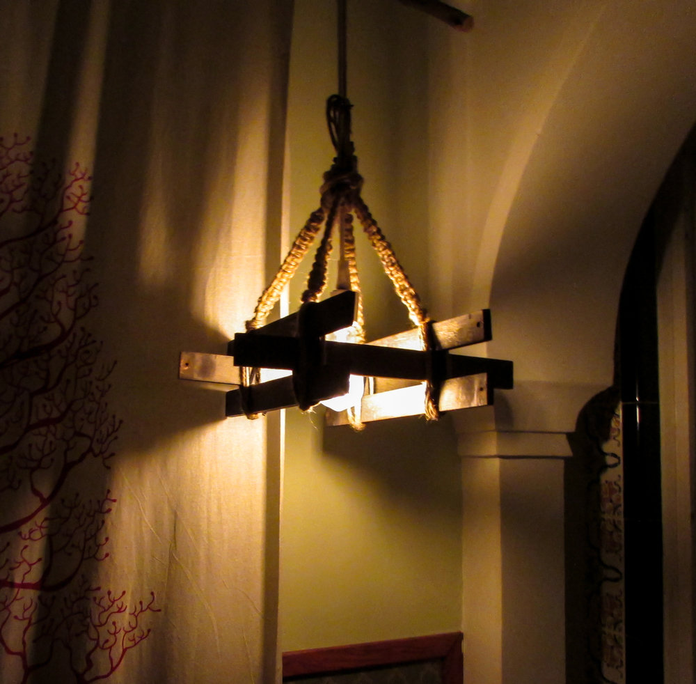 diffused lighting fixtures. Using Two Picture Frames To Create The Inner Structure, Shade Was Wrapped Around And Attached Form. Slats Were Cut Varied Lengths, Diffused Lighting Fixtures U