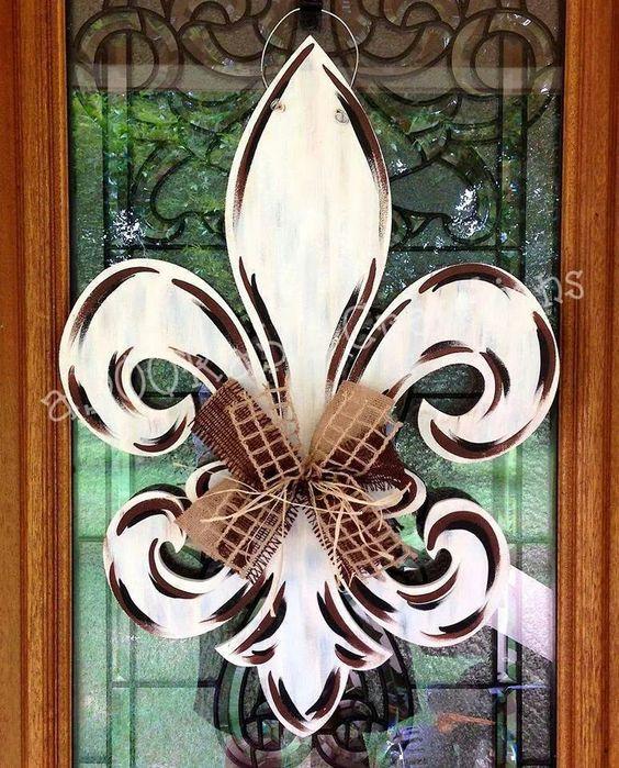 fleur de lis door hanger2.jpg