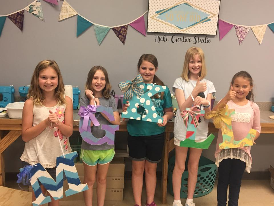 craft party painting door hanger kids.jpg