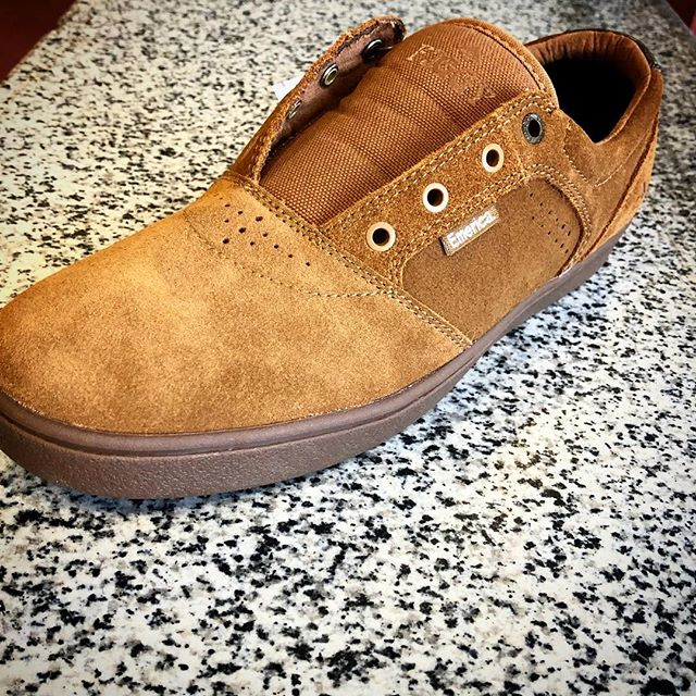 "New @emerica shoes in stock.  Figgy ""Dose"" (wear it laceless or w laces) , and Reynolds Vulc #faithskatesupply"