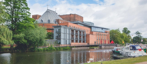THE SHAKESPEARE MEMORIAL THEATRE COMPLEX IN STRATFORD-UPON-AVON OPENED IN 1879 AND HAS BEEN THE HOME OF THE ROYAL SHAKESPEARE COMPANY SINCE 1960.