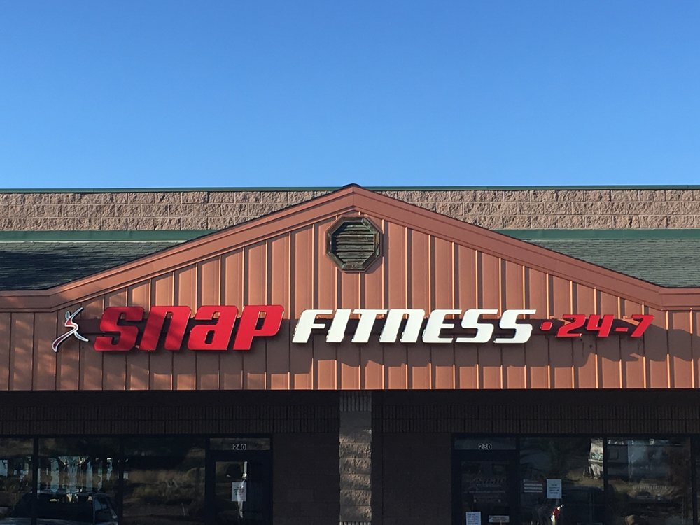 Both Snap Fitness & Planet Fitness have franchise business models which means they have the most locations nationwide out of all the gyms out there. They also have membership plans with reciprocity between locations which is great for RV Life, Van Life, and camping.