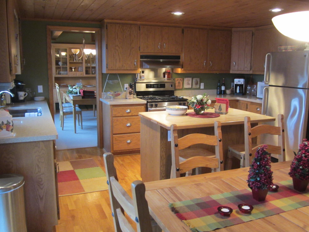 9 Orono Kitchen Before.JPG
