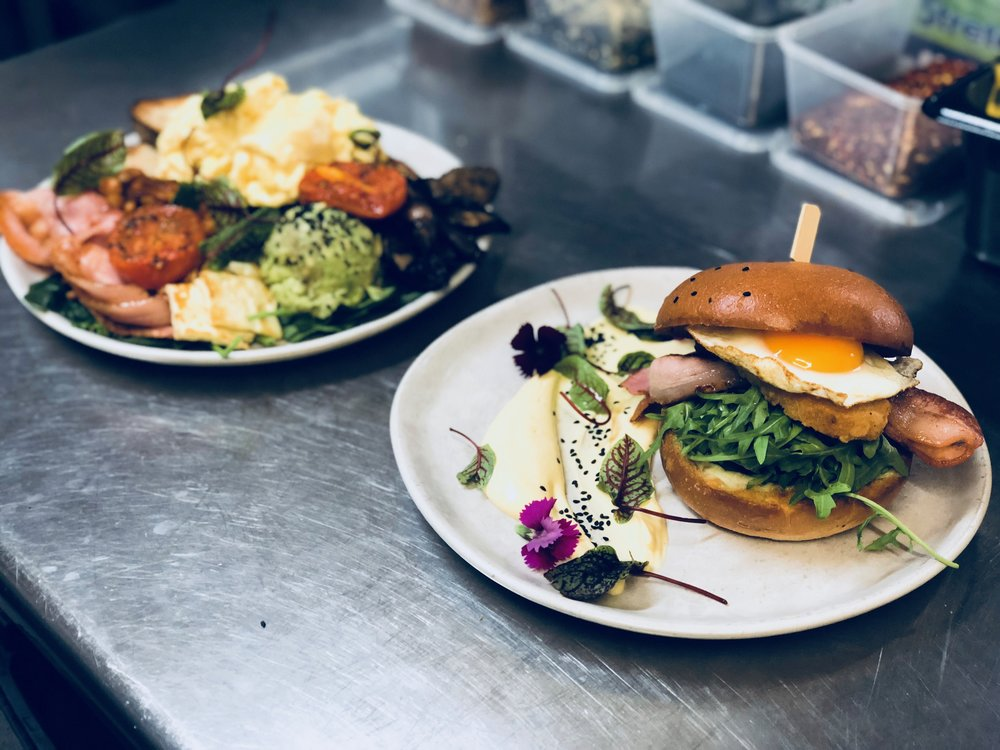 All day brunch ft: The Big Belly & Cheat Day Burger