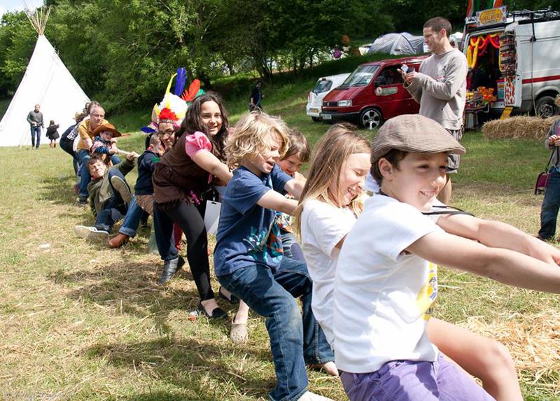 Partyfield Dorset childrens party tug of war.jpg
