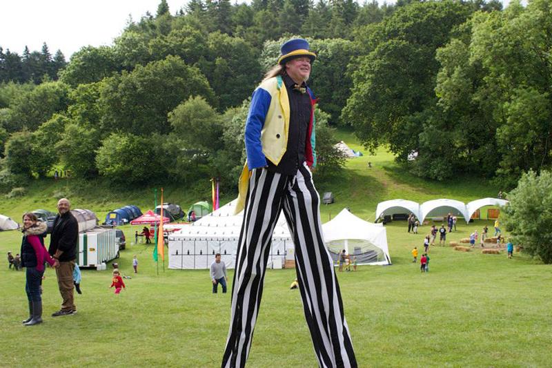 Partyfield Dorset childrens party circus 4 .jpg