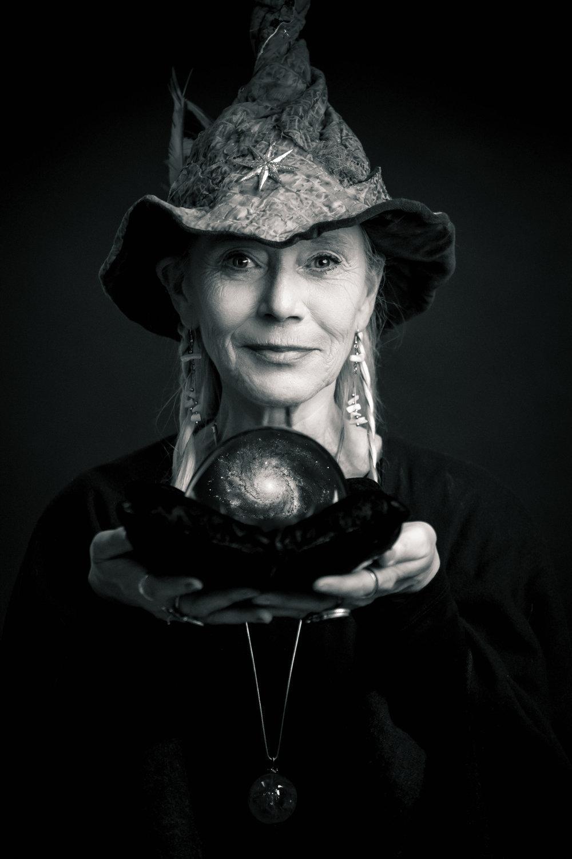 Rose ThunderCrow <br/>Jolanda Tarot<br/>Seer & Magic Worker