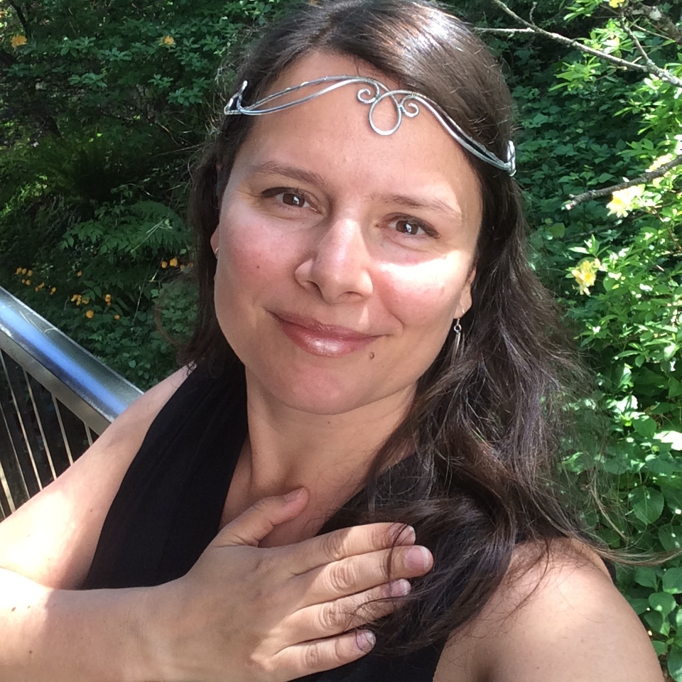Flora Ware<br/>Feminine Leadership Coach<br/>Moon Circle Priestess