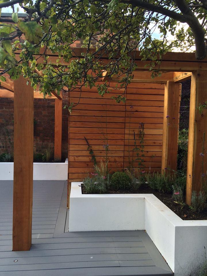 Edinburgh Decking: Bespoke Garden Decking