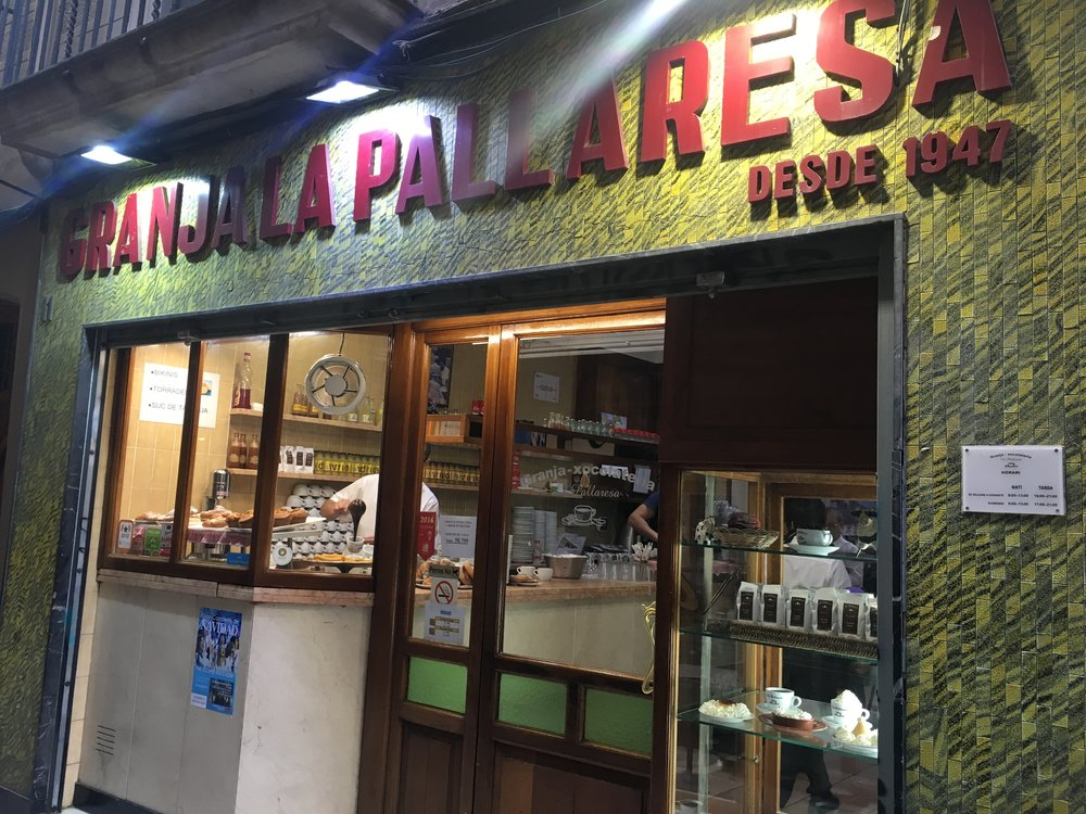 La Pallaresa. The only spot to hit up for primo churro & hot choc vibes.