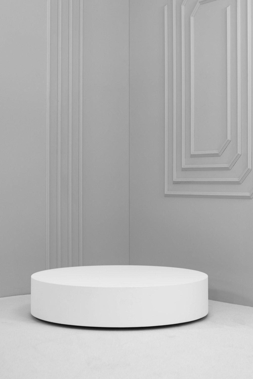 Low Round Plinth.jpg