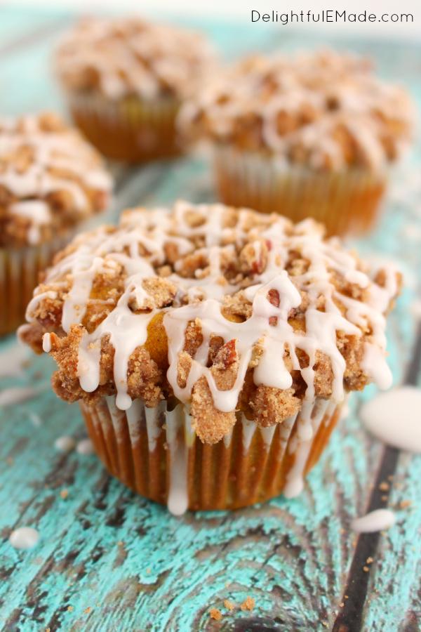 Pumpkin-Apple-Streusel-Muffins-DelightfulEMade.com-vert1-600x900.jpg