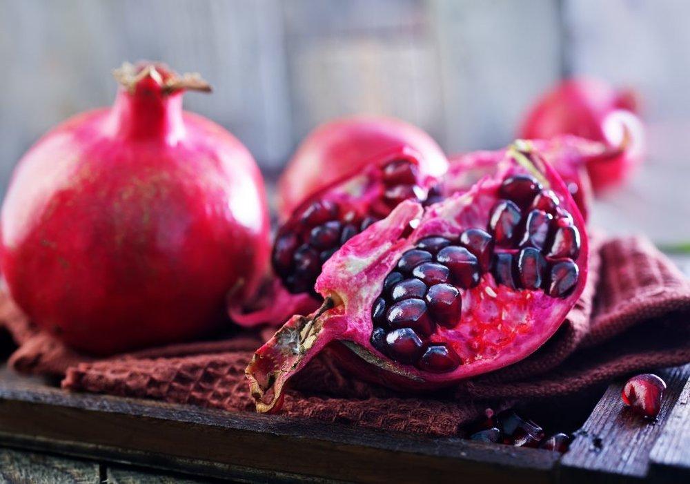 pomegranate-PNV6ZZZ-1024x718.jpg