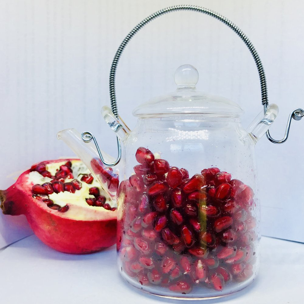 Pomegranate Seed Oil - It contains Vitamins A, B D and E as well as the minerals potassium and magnesium. It contains Punicic Acid which is also known as Omega 5 which has strong anti inflammatory properties, and Ellagic Acid which is a natural phenol antioxidant. It fights free radicals so delays skin ageing and helps to stimulate collagen production.