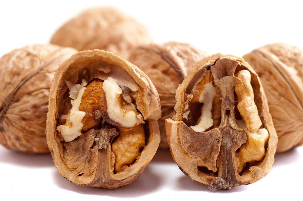 walnuts-2312506_1920.jpg