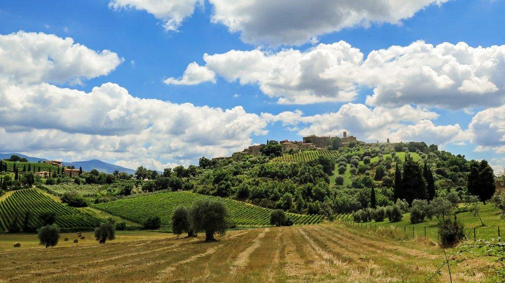 tuscany-504303_1920.jpg