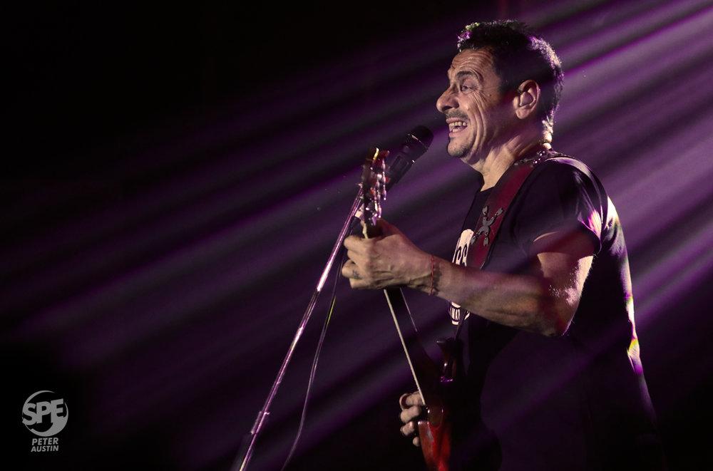 DIVIDIDOS - 13.04.19 @ ATENAS LA PLATAEn el marco de su gira por el 30 aniversario de la banda, Divididos volvió a La Plata para presentarse en el Estadio Atenas de la mano de su show 'Haciendo Cosas Locas'.