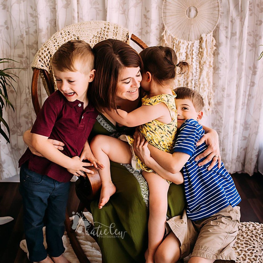 Lissette with her husband, Justin, and their three children, Oliver, Milo, and Kalliope.