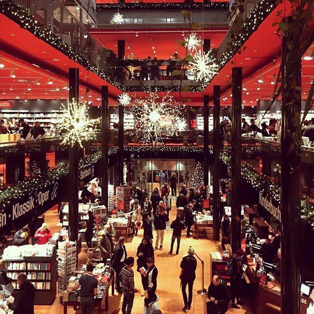 photo: Dussmann das KulturKaufhaus