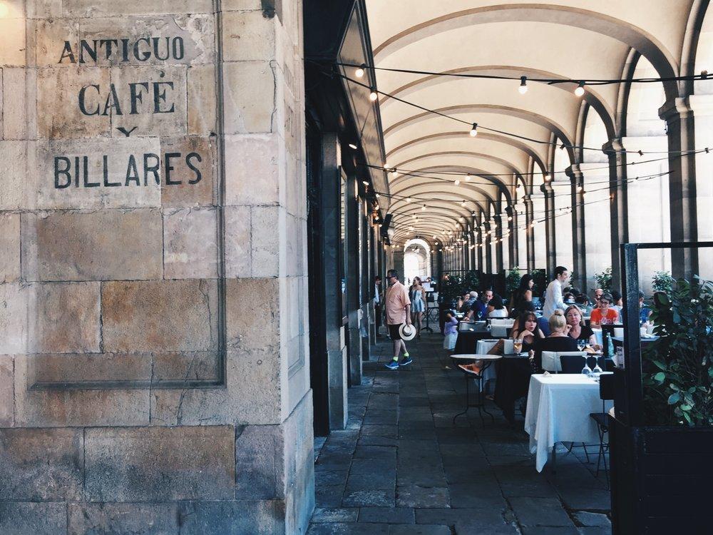 Restaurants at  Passeig d'Isabel