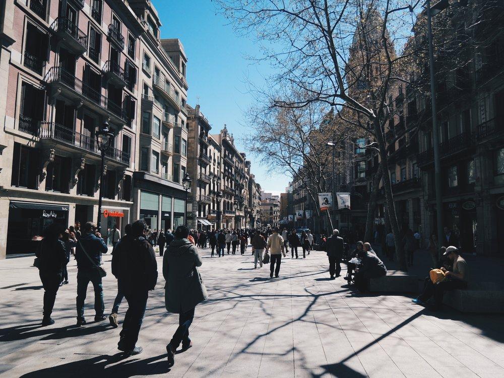 Avinguda del Portal de l'Àngel — a shopping street